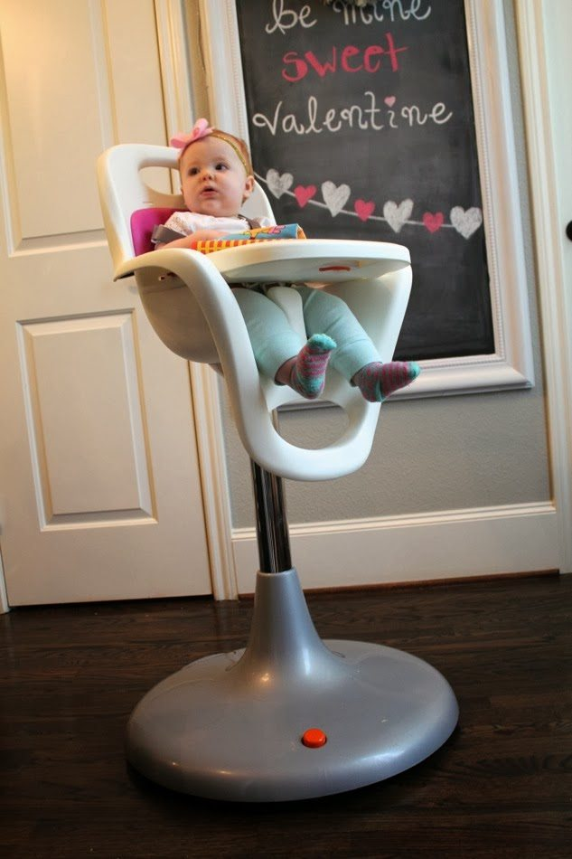 Exceptionnel ... The Boon Has Wheels Is A Huge Bonus. I Feed Harper While Sitting On One  Of The Barstools At Our Kitchen Island And Itu0027s So Easy To Pull Her  Highchair ...